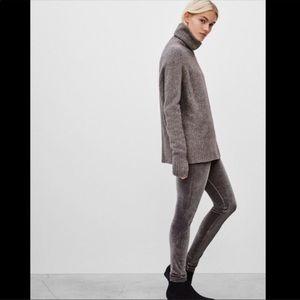 Aritzia Wilfred Daria Velvet Pant